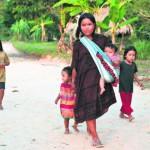 El distrito de Yurúa, en Ucayali, no tiene agua potable, desagüe, luz eléctrica ni hospital. Allí viven 2.587 personas.(Foto: Juan Ponce / El Comercio)