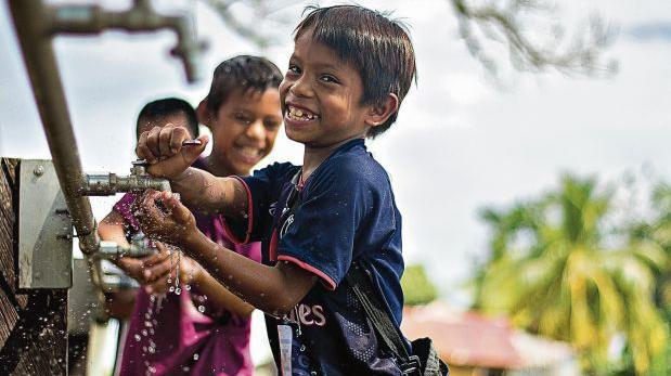 Los niños de la comunidad Dos de Mayo, en Nauta, son los principales beneficiarios del proyecto de instalación de las plantas de tratamiento de agua. Ellos reciben clases sobre el cuidado del recurso. (Foto: Enrique Pezo)