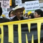 Activistas y organizaciones sindicales y rurales de América Latina se oponen a las políticas extractivas. Muchos protestaron en el marco de la COP21 de París. (Foto: Reuters)