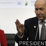 Laurent Fabius, en la cumbre de París. / FRANCOIS MORI (AP)