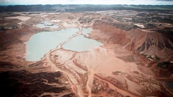 La nueva 'fiebre de oro' condujo a la pérdida de 1 680 kilómetros cuadrados de bosque húmedo tropical en el período 2001-2013. | Fuente: Andina