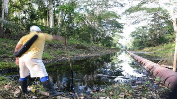 Este es el panorama en Loreto tras el derrame de petróleo.   Fuente: RPP   Fotógrafo: Marcelino Aguilar