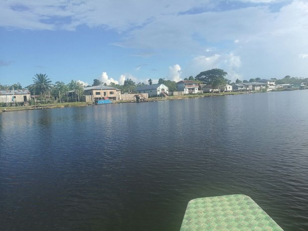 Comunidad Huapapa a orillas del lago del mismo nombre. Foto: La República.