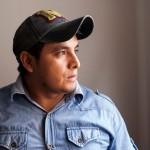 John Estela no recibió atención médica a tiempo tras recibir una bala en la pierna. Pide que en los juicios por el denominado Baguazo se incluyan a Alan García y Mercedes Cabanillas. Foto: CAAAP