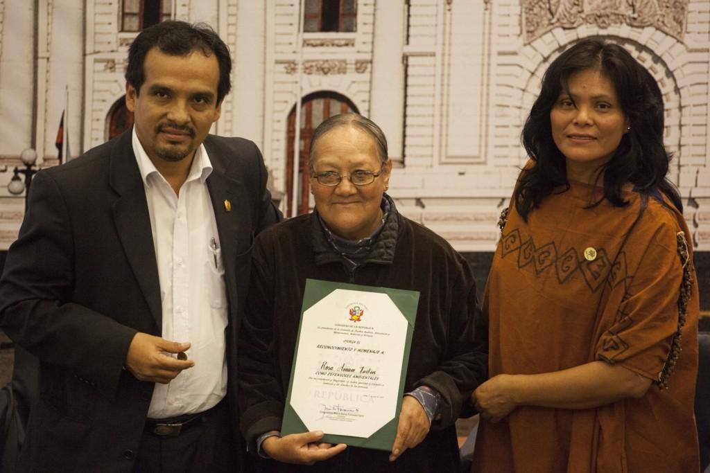 Rosa Amaro lleva muchos años luchando por los afectados de la contaminación minera en La Oroya
