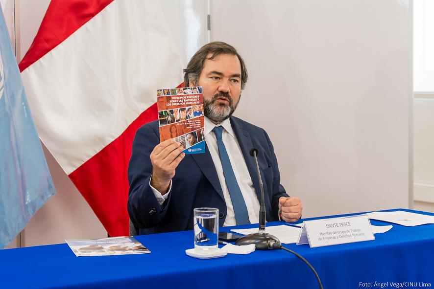 Dante Pesce, miembro del Grupo de Trabajo ofreció conferencia de prensa. Foto: Ángel Vega/CINU Lima