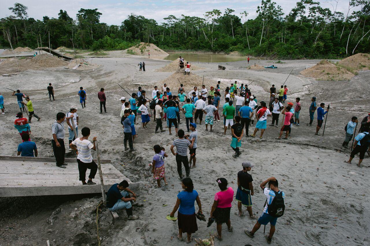 Intervención de la Nación Wampis contra la minería ilegal en 2016. Foto: Jacob Balzani