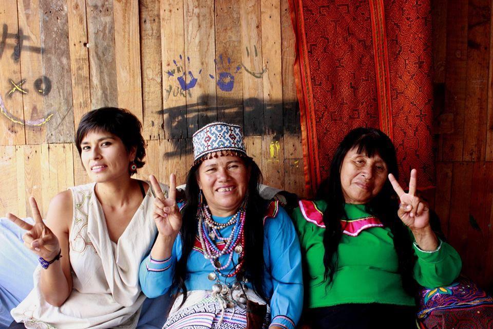 Anabel, Olinda y la madre de Olinda, juntas en Cantagallo. Fuente: Anabel De La Cruz