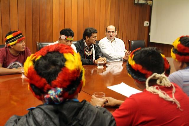 eunión el 14/7 entre apus y Primer Ministro Fernando Zavala, en sala del Ministerio de Economía y Finanzas.