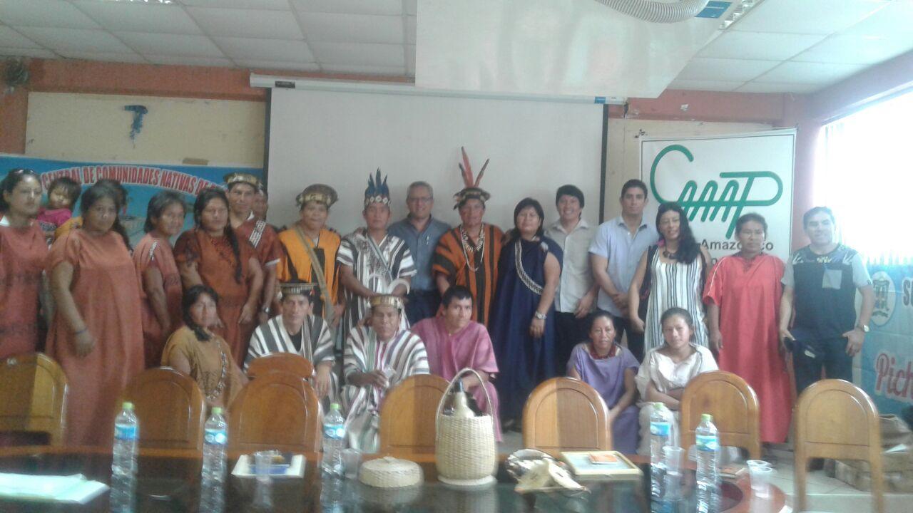 Autoridades y representantes de la ACECONAP. Foto: Jimmy Mendoza Castro / CAAAP Selva Central