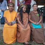 Estudiante nomatsigenga y estudiantes asháninkas en sede de NOPOKI. Foto: CAAAP