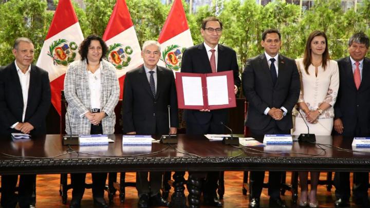 Presidente Martín Vizcarra promulgó ley para enfrentar el cambio climático