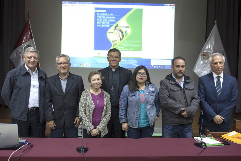 Foto con todos los expositores. Credito: CAAAP