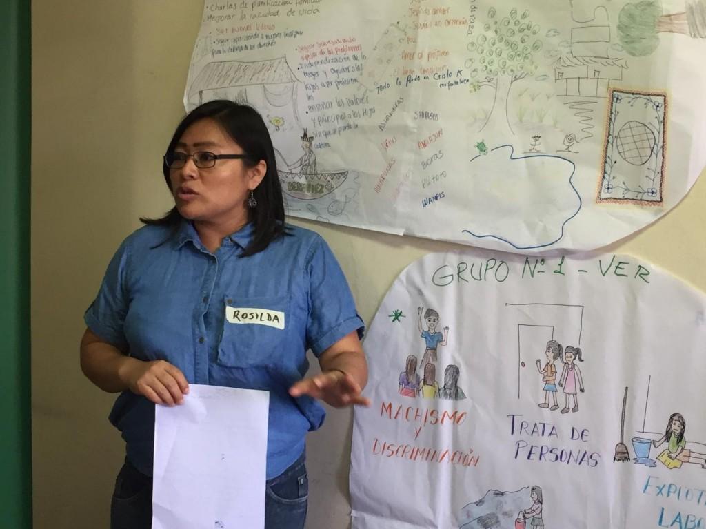 Rosilda Nunta es la coordinadora del Programa Mujer de AIDESEP. Aquí, en un momento del encuentro 'Diálogo de Mujeres Amazónicas rumbo al Sínodo'. Foto: CAAAP