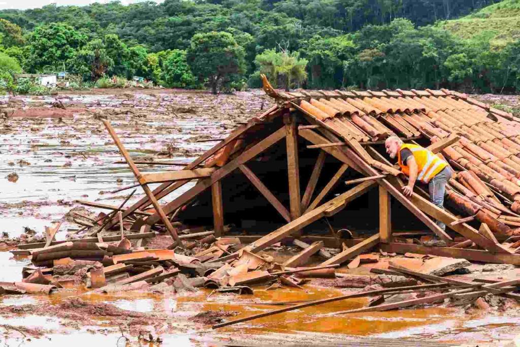 Imagen de Brumadinho, comunidad brasileña que está sufriendo por la explotación minera. Foto: Iglesias y minería