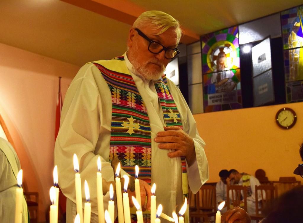 Monseñor Gerardo, durante una celebración en San Ramón, sede del Vicariato del mismo nombre. Foto: Cáritas Selva Central