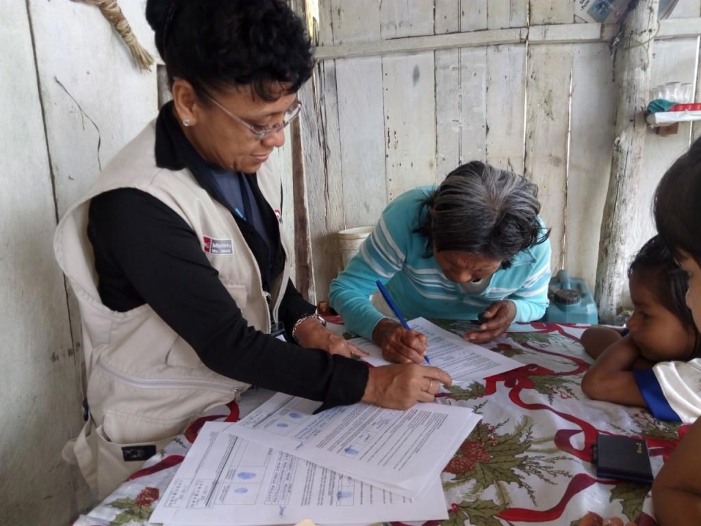 Fotografía realizada durante la toma de muestra en las comunidades afectadas. Foto: PUINAMUDT