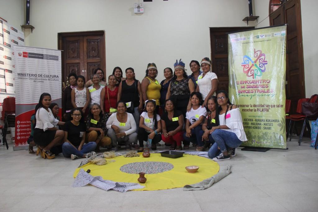 El grupo estuvo integrado por representantes de hasta cinco pueblos indígenas. En la imagen, junto al equipo facilitador. Foto: MINCUL- Loreto