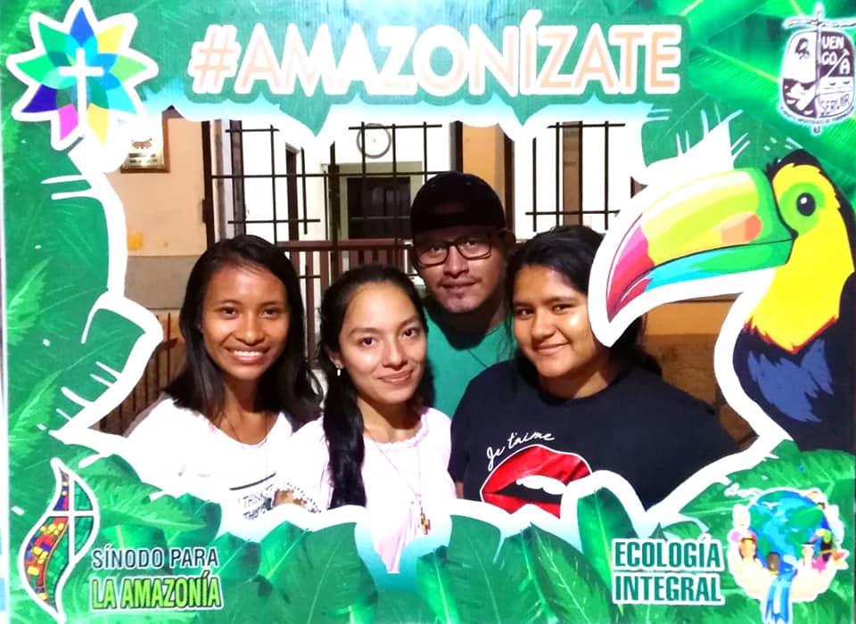 Los participantes tenían la opción de tomarse una foto divertida para el recuerdo. Foto: Amazonízate Yurimaguas