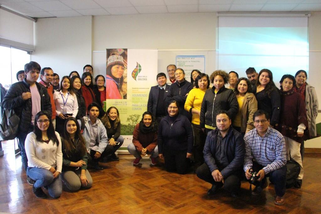Grupo de participantes, tras uno de los talleres que se impartió en horas de la tarde. Foto: Comunicando Esperanza