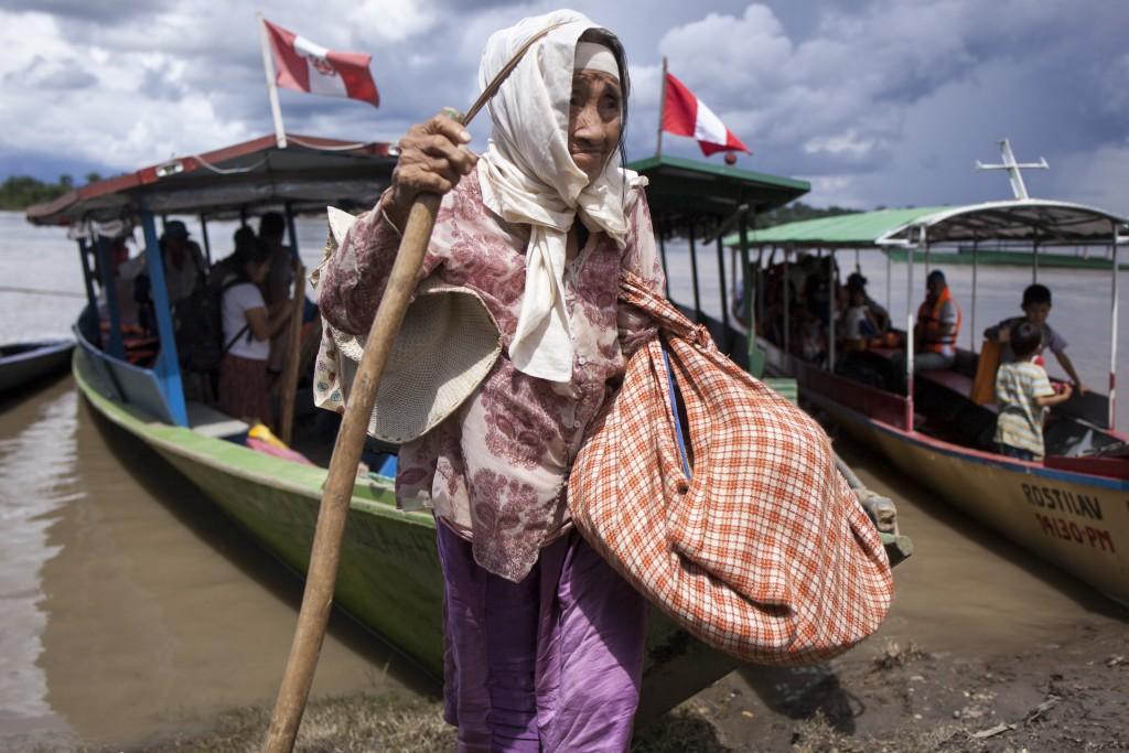 Señora del pueblo Ese Eja, en la región Madre de Dios. Foto: Pavel Martiarena