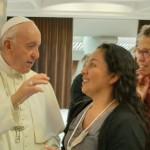 Patiachi ha tenido oportunidad de compartir unos minutos de conversación con el Papa Francisco en el primer día de reunión sinodal. Foto: Cedida