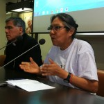 Lucero Guillén y monseñor Vizcarra, durante el videofórum realizado en Roma. Foto: Beatriz García
