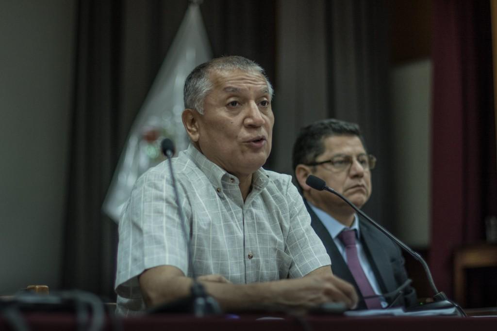 Jorge Bracamonte, secretario ejecutivo de la CNDDHH, y Eduardo Vega, en representación de la UARM, realizaron los aportes iniciales. Foto: Luisenrrique Becerra