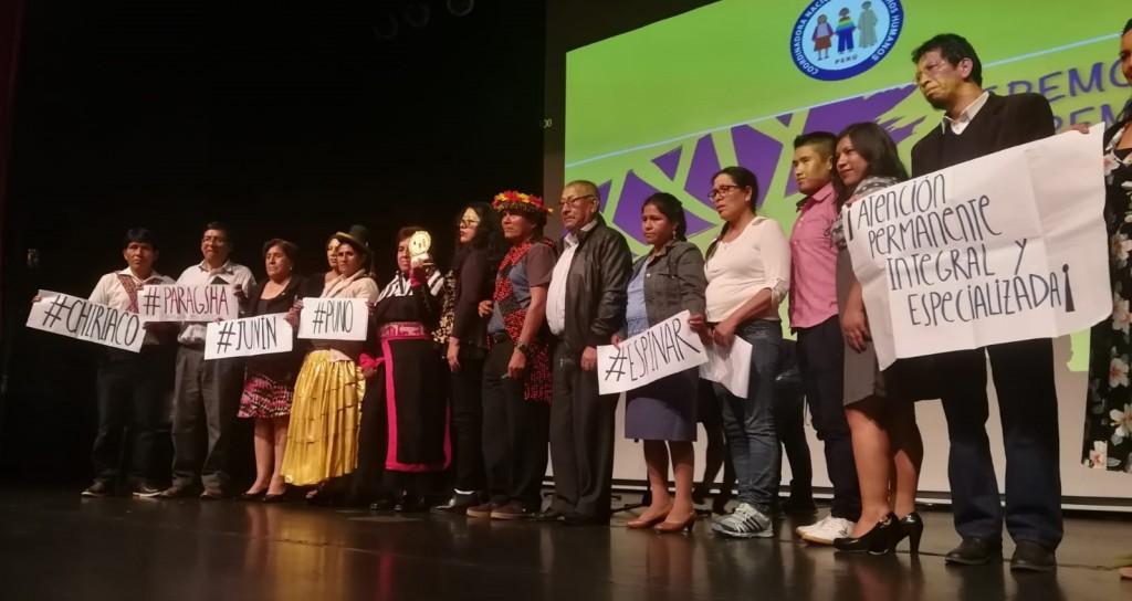Integrantes de la plataforma, en el momento de recoger el premio. Foto: CAAAP