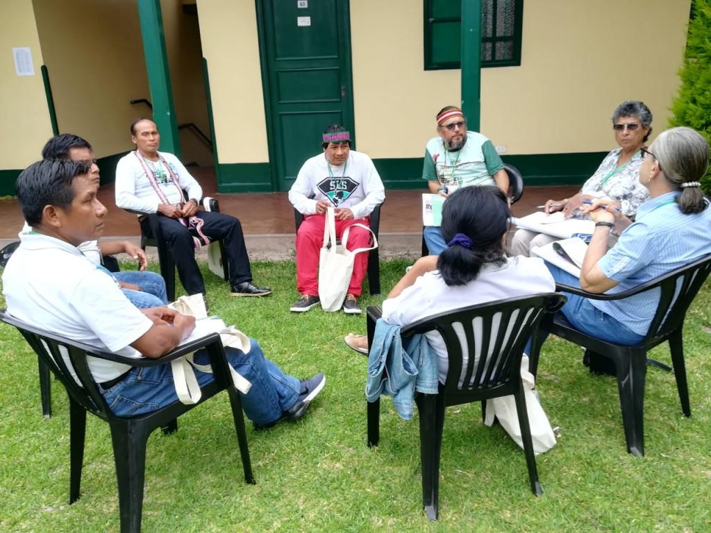 Participantes del Vicariato de Yurimaguas, durante el conversatorio del trabajo grupal. Foto: BGB-CAAAP