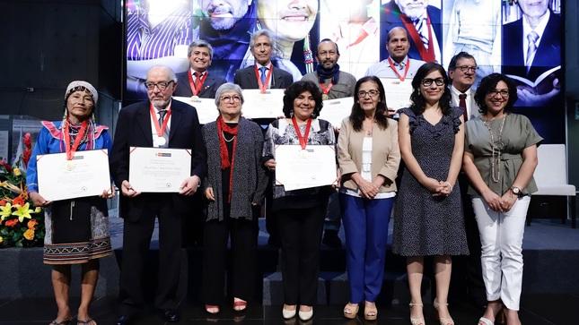 Maynas Inuma, junto al resto de premiados durante la ceremonia del Ministerio de Cultura. Foto: MINCUL