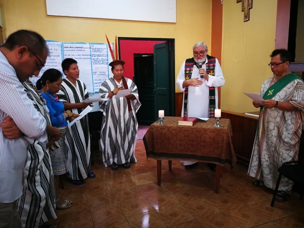Junto a integrantes del Vicariato de San Ramón, durante la celebración de la Eucaristía. Foto: Beatriz García