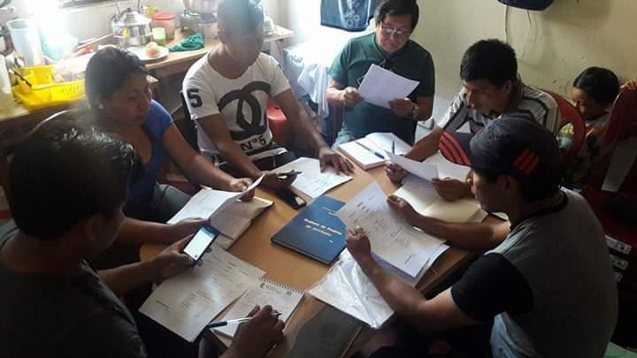 Grupo de jóvenes estudiantes que también se están viendo afectados. Foto: Cedida