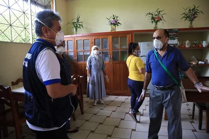 Desde el inicio el vicariato de Iquitos se puso a disposición de las autoridades regionales. Por ejemplo, se cedió la casa de retiro Kanatari, que alberga a 100 enfermos. Foto: DIRESA Loreto