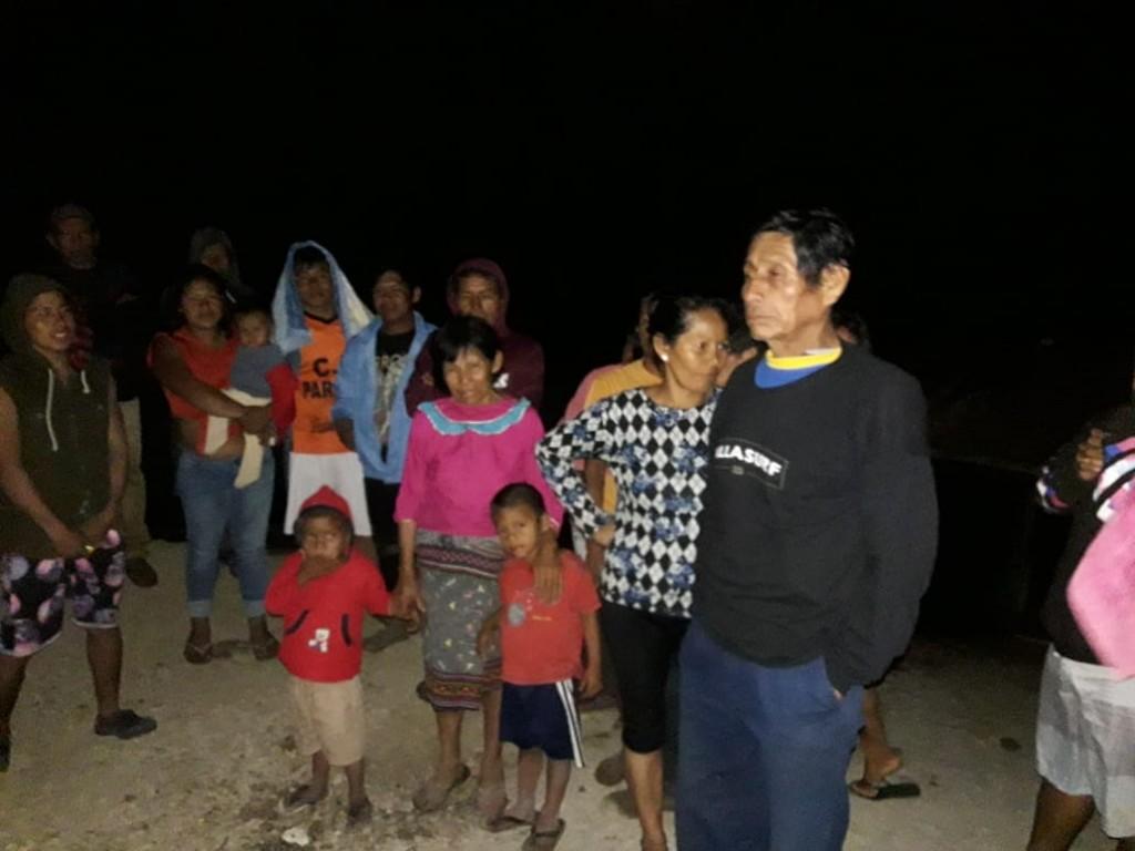 Otro grupo grande, de unas 150 personas, está en el km 75 de la Panamericana Sur. Foto: Cedida