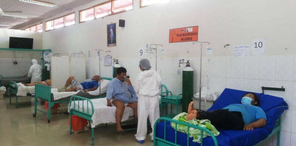 Pacientes en el área de UCI del hospital de Madre de Dios. (Foto: Manuel Calloquispe)