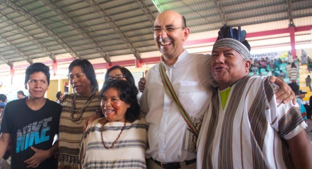 Monseñor David Martínez vivió, por 15 años, en una comunidad matsigenka del río Bajo Urubamba. Foto: Pavel Martiarena