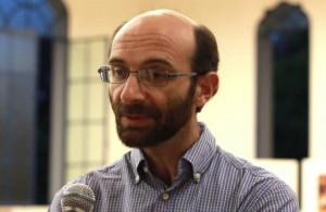 Padre Darío Bossi.