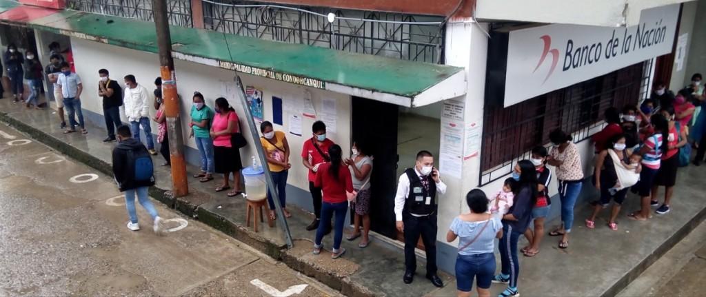 Sede del Banco de la Nación de Sta. María de Nieva, que ha sido cerrado hasta en tres ocasiones por contagio del personal. Foto: Radio Kampagkis