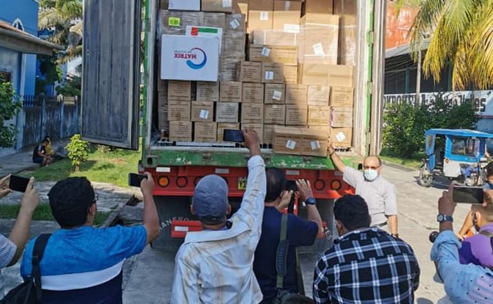 Momento en que la carga de ayuda humanitaria llegaba a la ciudad de Iquitos. Foto: Vicariato de Iquitos