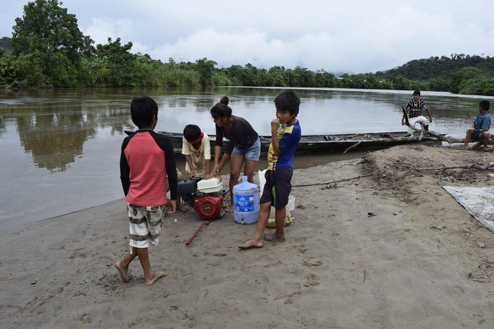 Temor al veneno mortal: La lucha de los indígenas afectados por los derrames en Amazonas continúa