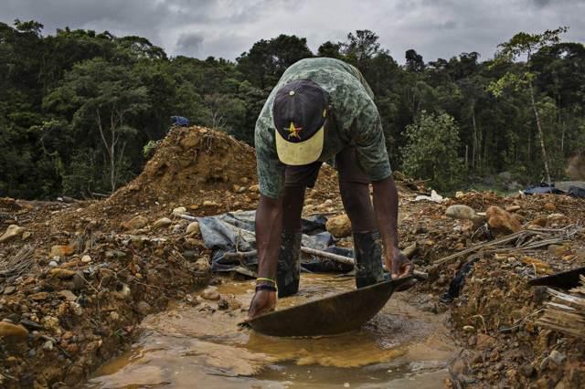 No hay cuarentena para las minas de América del Sur. Y los mineros siguen muriendo