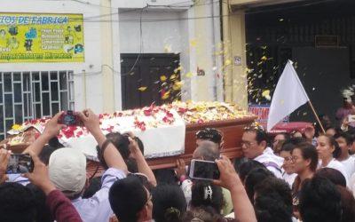 Población de Iquitos despidió a Monseñor Miguel Olaortúa