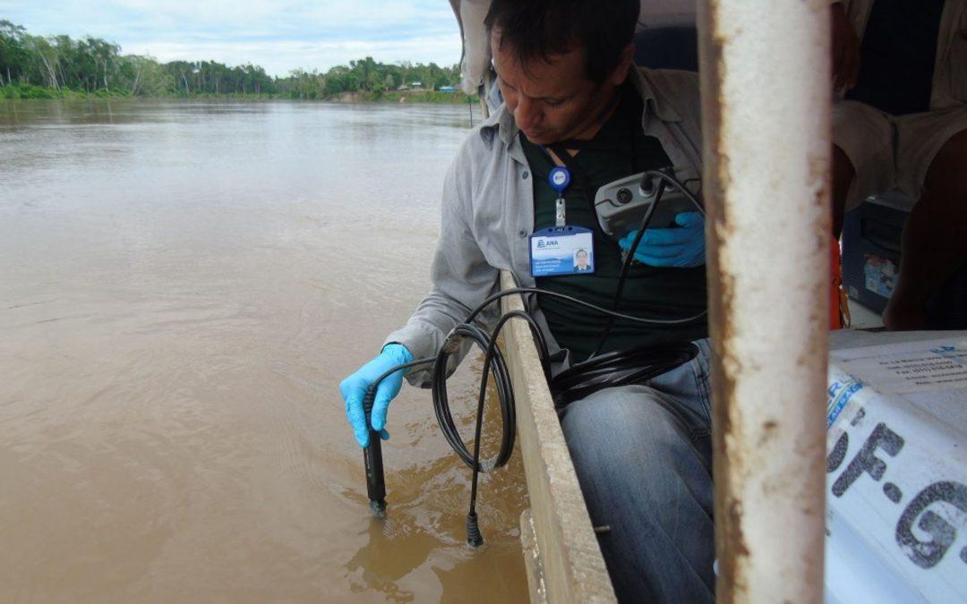 ANA toma muestras de agua en zona de derrame de petróleo en Loreto