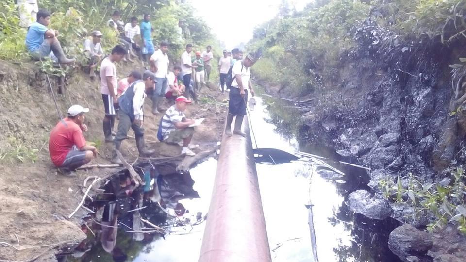 Confirman derrame de petróleo en Andoas e investigan nuevo vertido de un kilómetro en comunidad de Monterrico