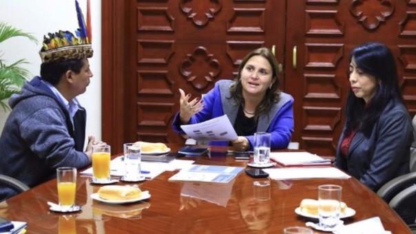 Ministra Pérez Tello tuvo reunión con comunidades indígenas amazónicas
