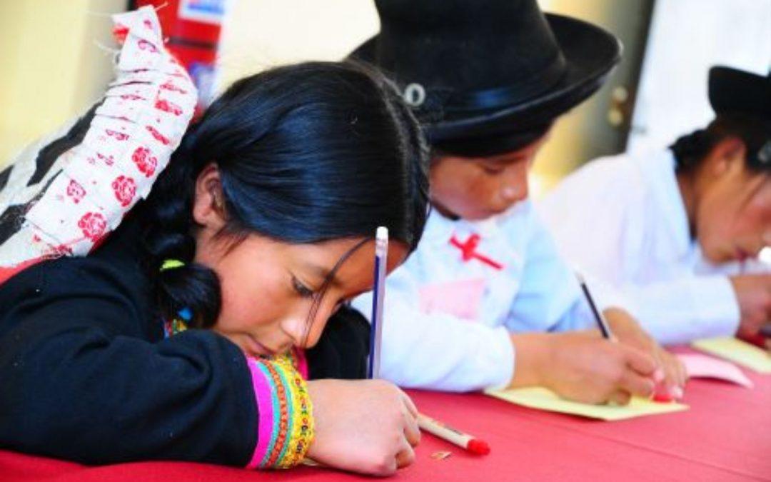 Oficializan reglamento de ley que regula fomento y difusión de lenguas originarias