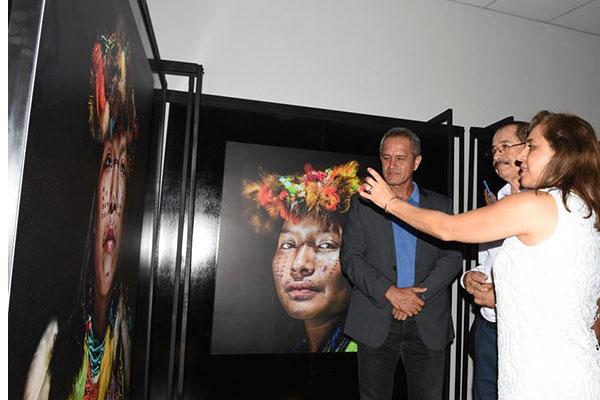 """Inauguran muestra """"Shawi Sanapi, la vida de las mujeres en la Amazonía del Perú"""""""