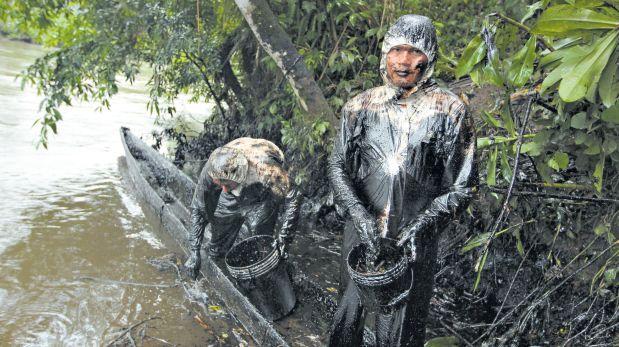 Amazonía de negro: derrame de crudo afecta afluente del Marañón