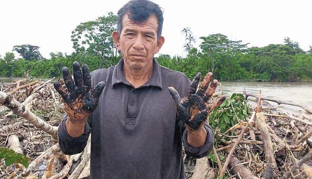 Denuncian derrame de petróleo en río Pastaza